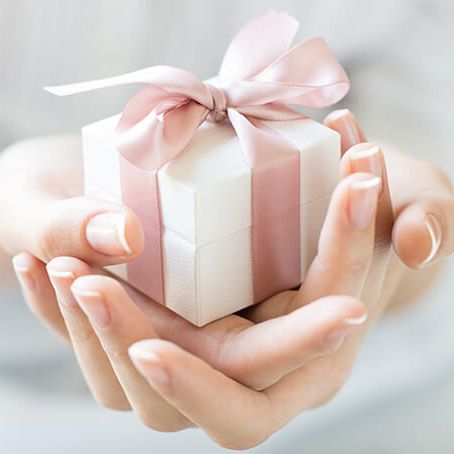 ivf gift image - facts about egg donation
