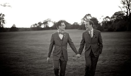 ivf for gay couples - gay couple image